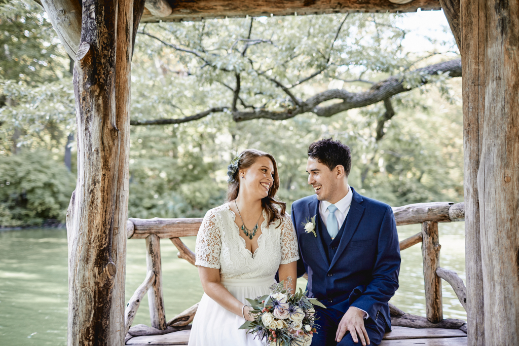 How to Plan A Cheap Wedding (That Doesn't Look Cheap)