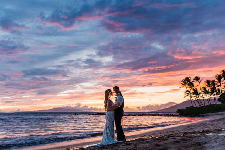 35 Dreamy Beach Elopement Ceremonies We're Completely In Love With